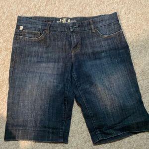 It jeans shorts
